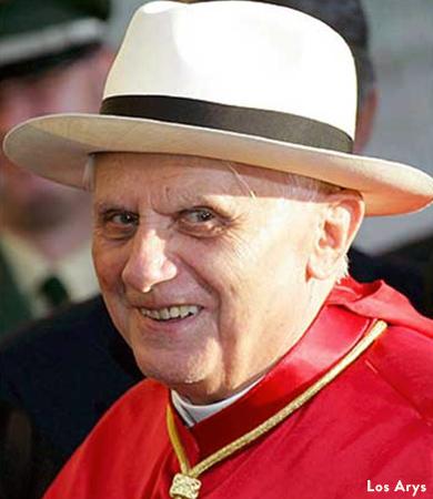 toquilla straw panama hats worn by Pope